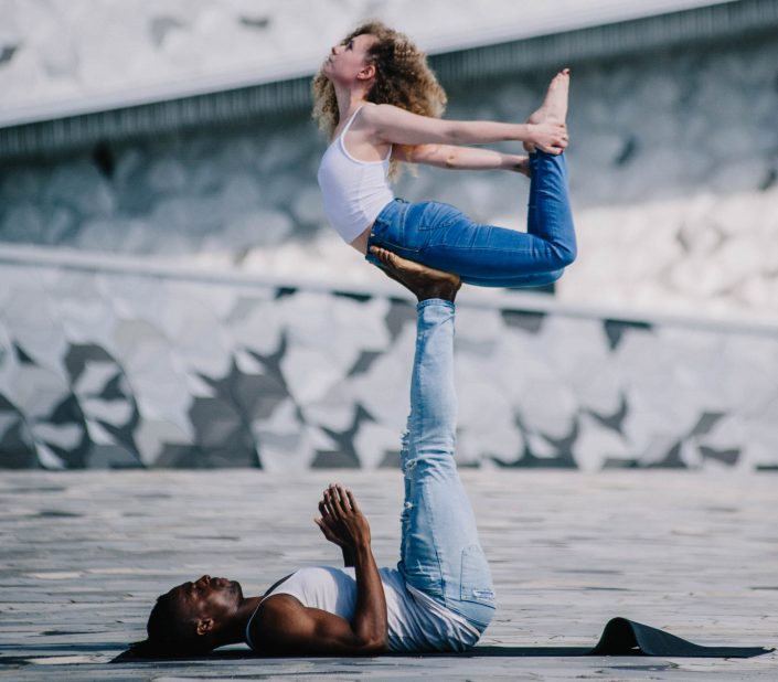 Urban AcroYoga in Paris | YogaGraphy 4