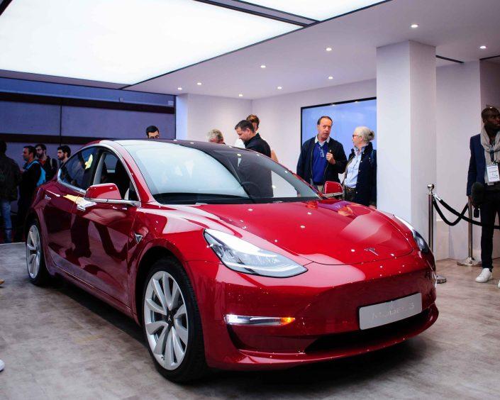 Tesla Model 3 at the Paris Motor Show - Teska model 3 au Mondial de l'Auto Paris
