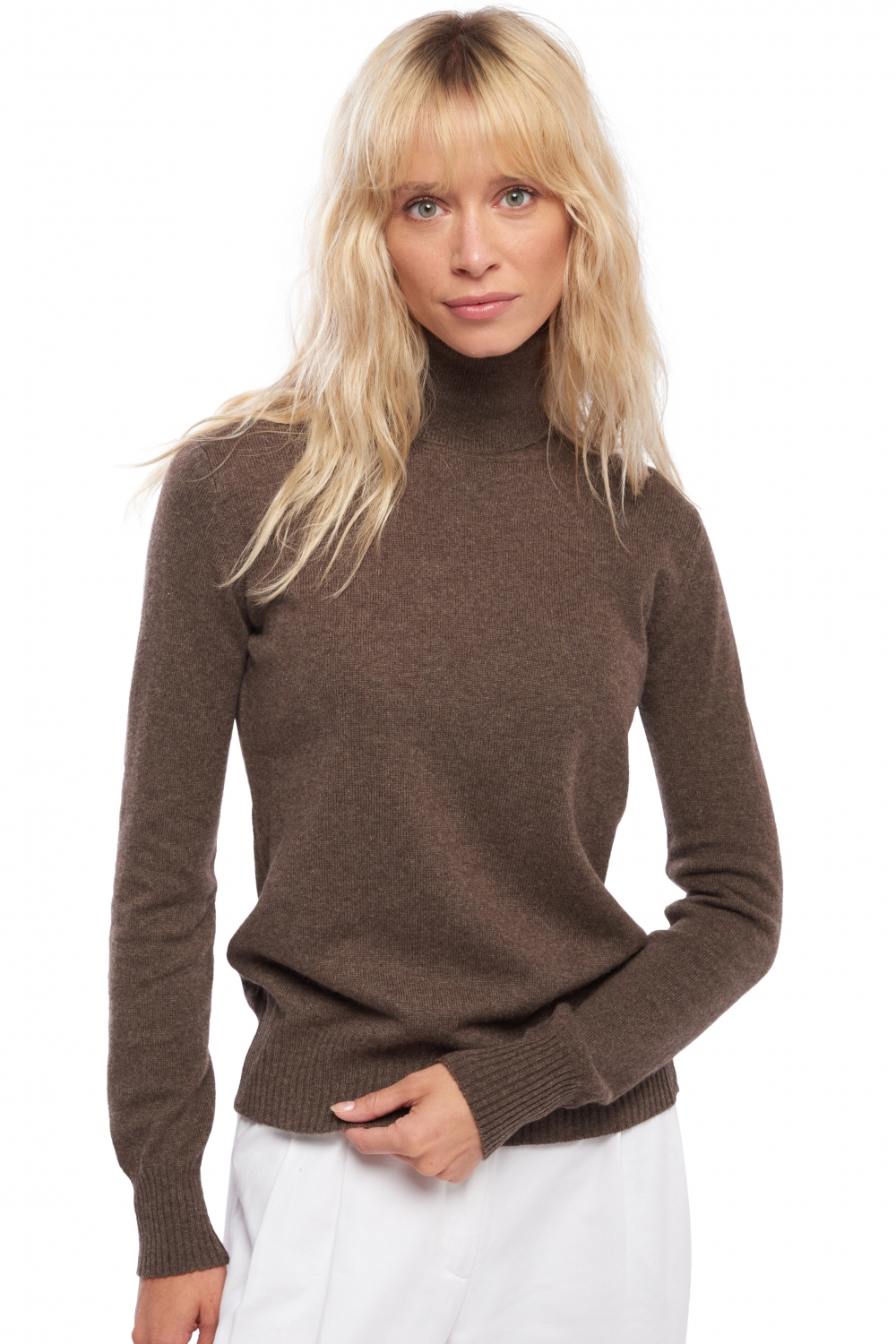 Classic polo neck sweater 100% cashmere. 2 ply.
