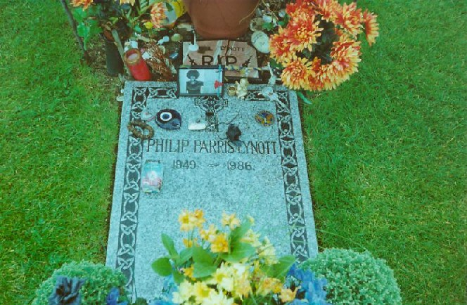 ire-howth-thin-lizzy-grave