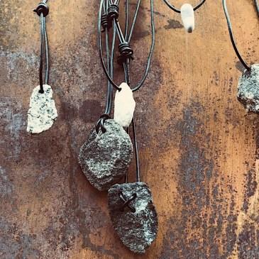 Käsinporatut kivikorut