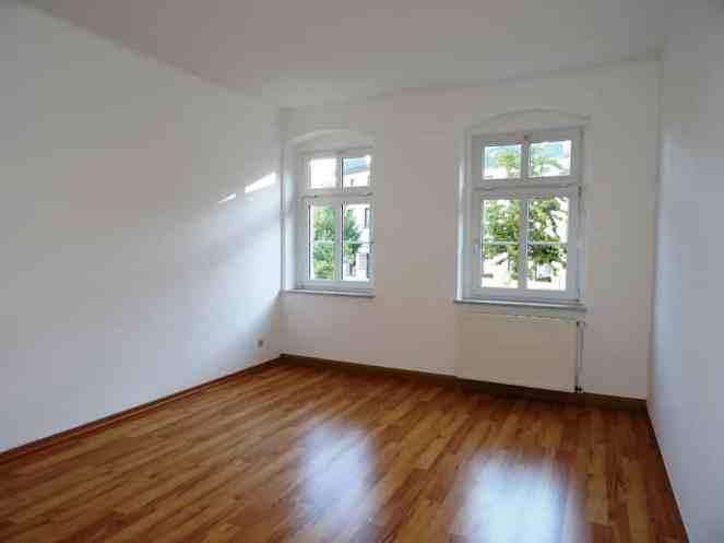 Mietwohnung Bad Gottleuba - Schlafzimmer mit 2 Fenstern