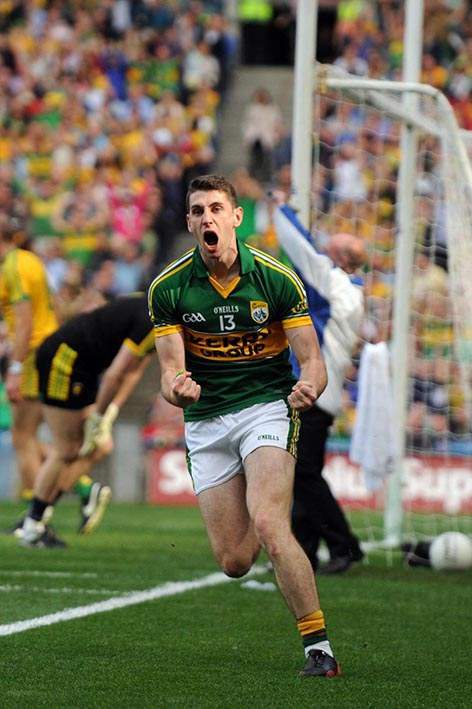 Paul Geaney scores Kerry's first goal after only 50 seconds in the All-Ireland Football Final against Donegal in Croke Park 2014. ©Photo: Don MacMonagle