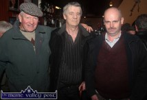 Dick O'Brien, Lombardstown, Mallow (left) pictured with Eddie Dore, Abbeyfeale and Niall Sheehan, Millstreet in Kearney's Bar during Castleisland's annual November 1st Horse Fair on Saturday. ©Photograph: John Reidy