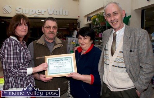 North East Kerry Development chairman, Bernard Collins (right) pictured with Cahereens West residents: Mary Horan, Donal Daly and Margaret Prendiville after they were presented with their Best Volunteer Group 2012 at the Castleisland Tidy Towns Awards Ceremony at Garvey's SuperValu on Friday evening. ©Photograph: John Reidy 12-4-2013