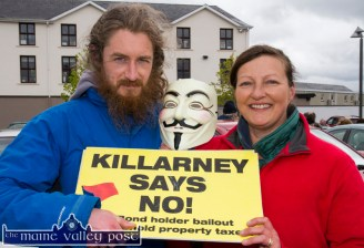 Breanndan Ó Loingsigh, Valentia and Lorraine McCarthy, Killarney supporting the Right2Water Castleisland protest march on Saturday afternoon. ©Photograph: John Reidy