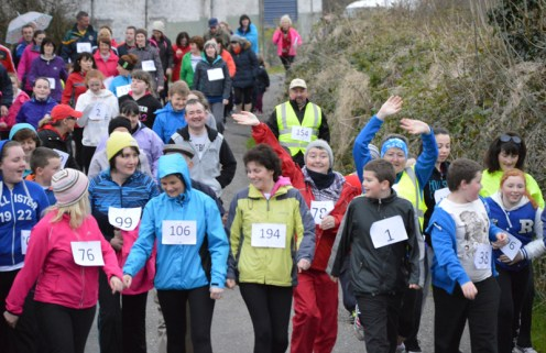 Part of the crowd which participated in the recent Kilmurry NS 5K Fun Run. Friday evening at 7-30pm will see the next event of its kind in Cordal.
