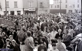 Food for Face Spotters from this crowd scene at the first St. Patrick's Day Parade in Castleisland. ©Photograph: John Reidy 17-3-1989