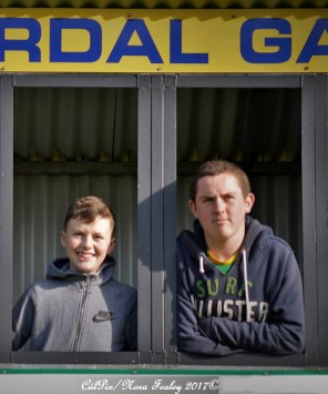 Sean Fealey (left) and J.J O'Connor manning the scoreboard for Cordal/Scart's match against Firies in Cordal last Sunday. CúlPix/Nora Fealey 2017©