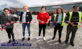 Mary Fitzmaurice cut the tape to start the tractor run in memory of her late husband, Paudie Fitzmaurice at the Castleisland Co-Op Mart Yardin Castleisland. Included are her daughters, Sharon, Ava and Laura with Thade O'Donoghue. ©Photograph: John Reidy.