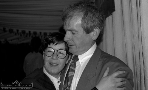 Killarney photographers, Valerie O'Sullivan and Kevin Coleman mixing with the revellers at the post concert party in Millstreet. ©Photograph: John Reidy 15-5-1993