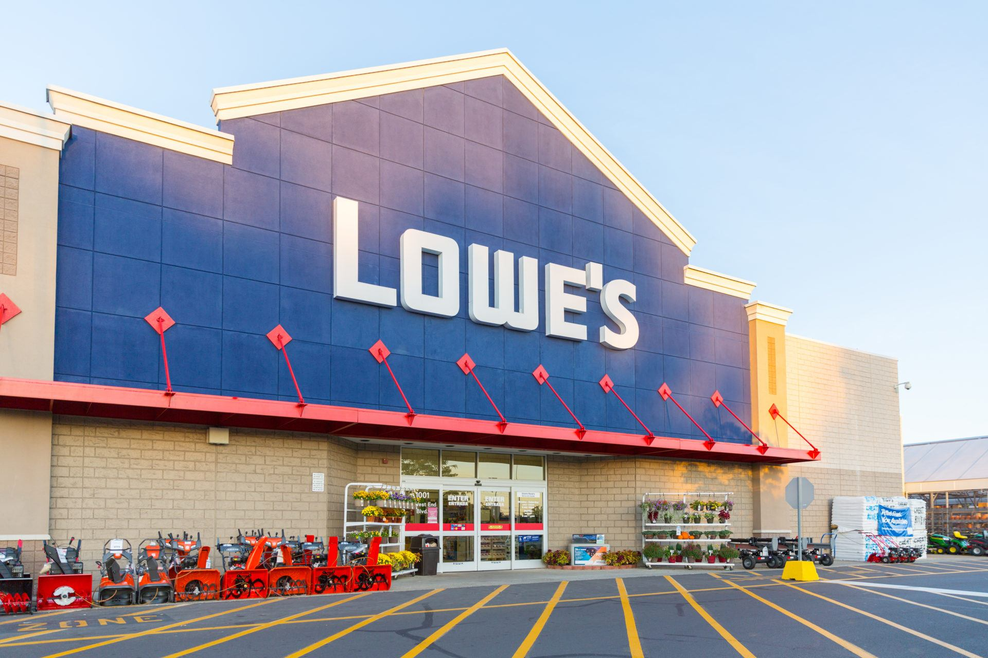 buy a kitchen at lowes or home depot