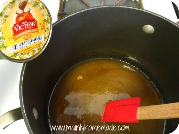 Making Homemade honeycomb