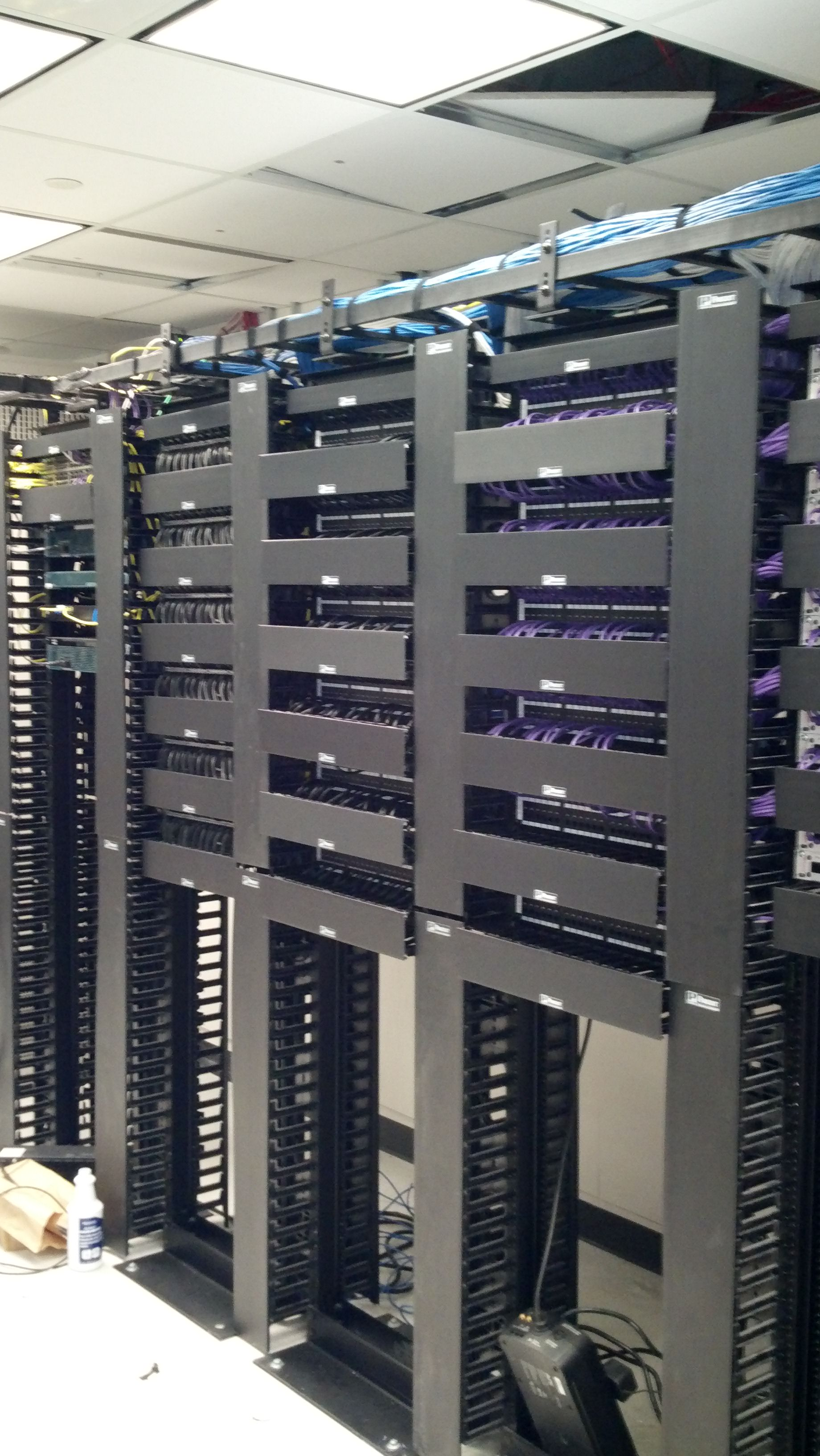 hight resolution of data patch panel server room
