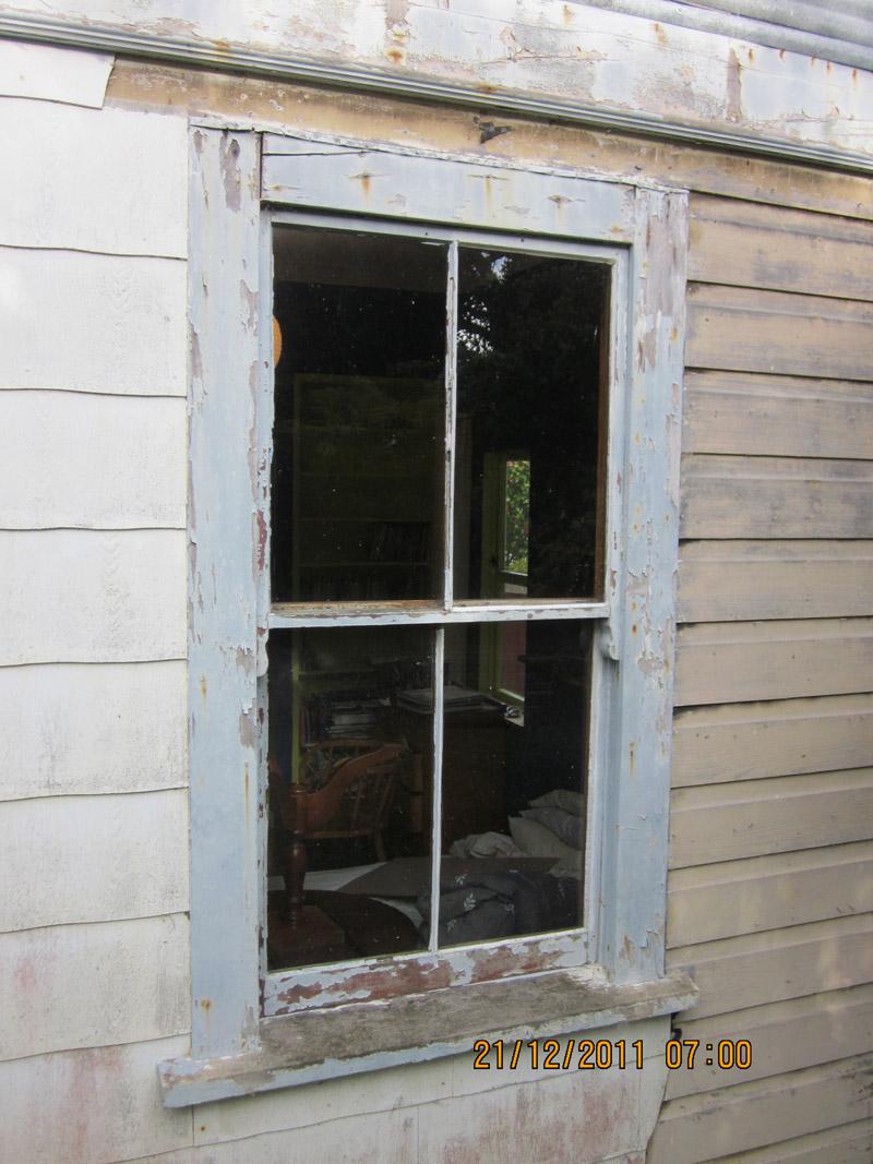 hight resolution of windows double hung window requiring refurbishment
