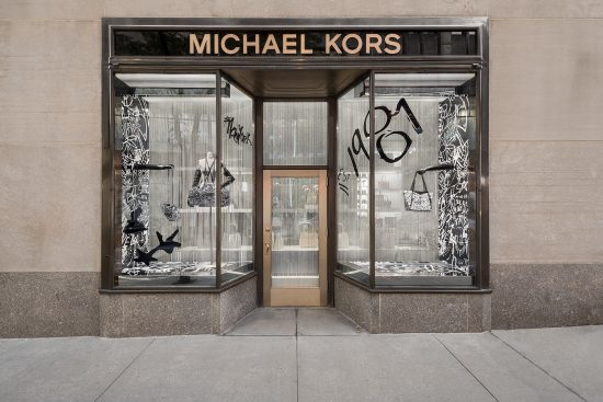 5aff4ee0cd Michael Kors #MKGO Graffiti le vetrine. - MAIORANO MAGAZINE
