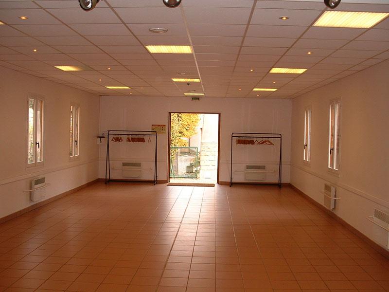 La Salle des Ftes  Commune de Ormes  51370   Village de Champagne