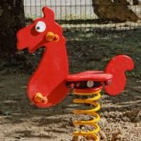 aire_jeux_petit_cheval
