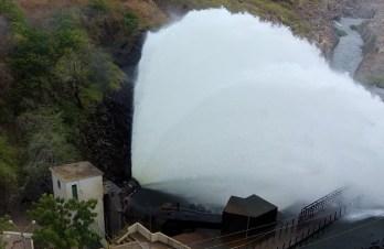 A válvula só foi aberta no dia 11 de novembro para liberação de 16 m³/s (Foto: Thiedo Henrique/Mais FM)