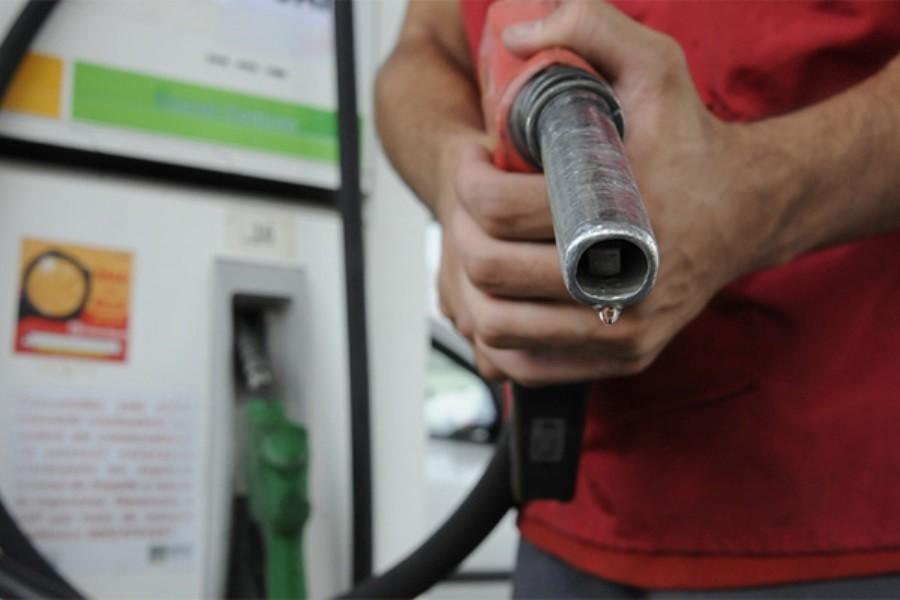 Gasolina chega a R$4,15 na primeira semana do ano