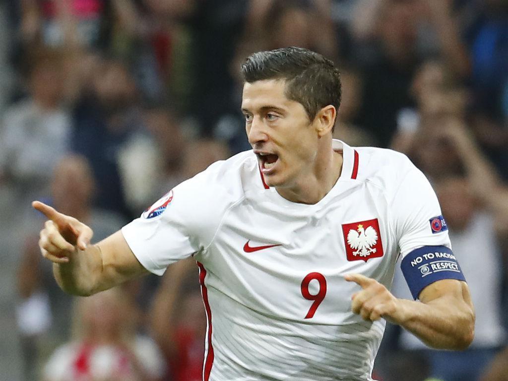 Lewandowski eleito melhor jogador da Polónia pela sexta vez