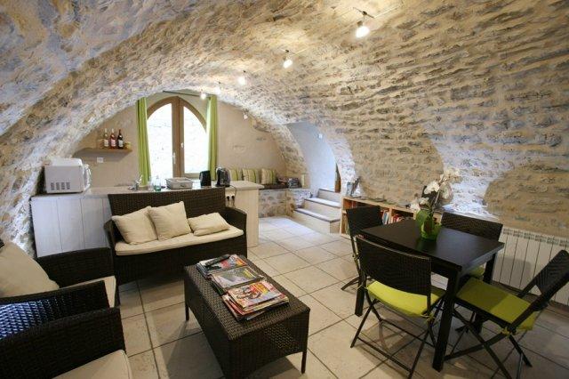Les Falaises Chambre Dhte Liaucous Aveyron 12