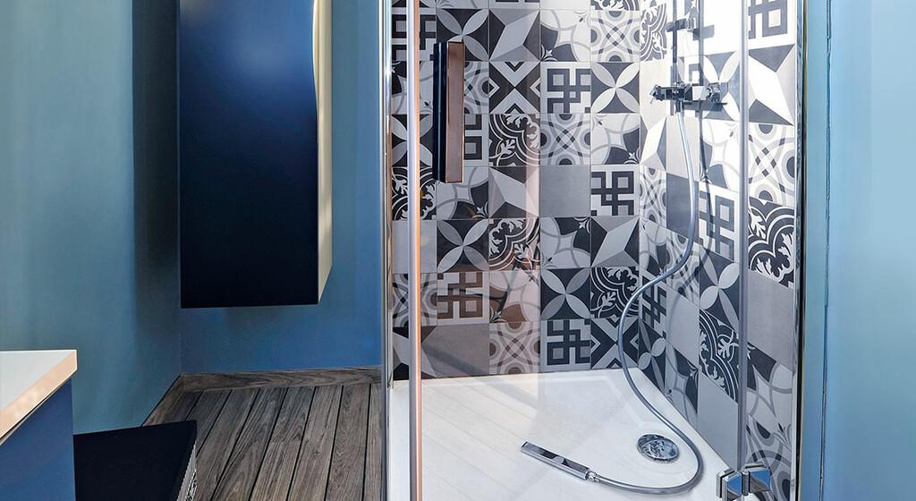comment installer des parois de douche