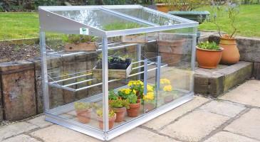Serres De Jardin Faut Il Choisir Une Serre Fixe Mobile Ou Miniature Maison Travaux