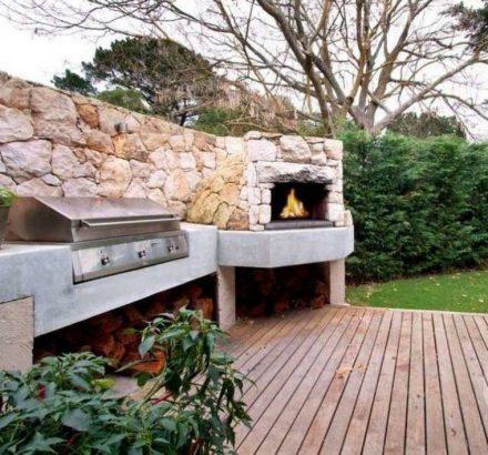 un coin barbecue dans son jardin
