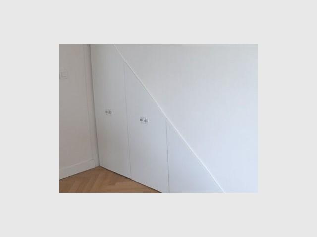 1 rangement sur mesure sous l escalier