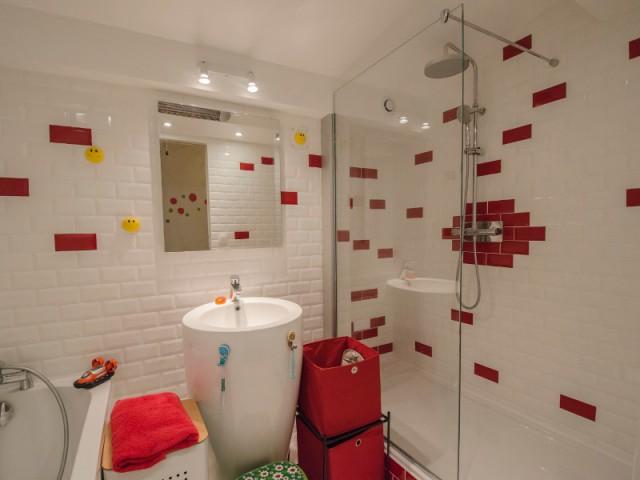 carreaux de metro dans la salle de bains