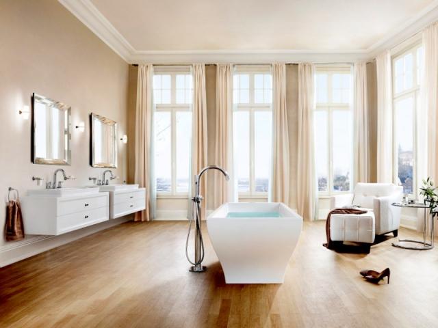 Idees D Amenagements Salle De Bains Une Baignoire En Ilot