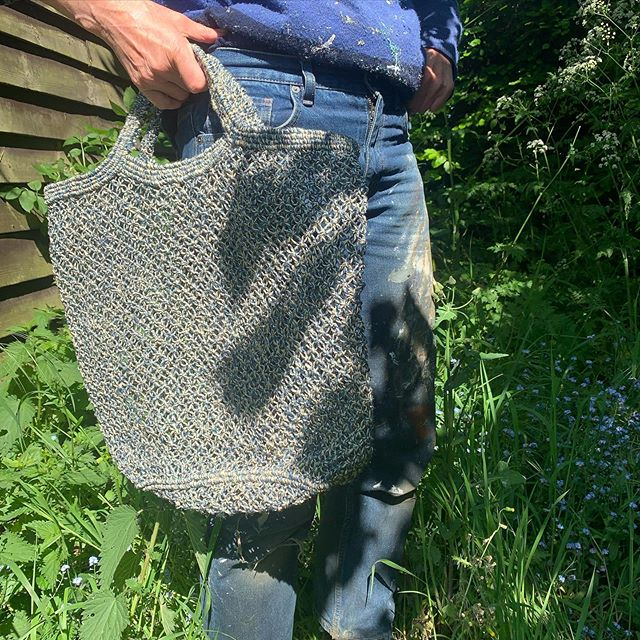 Speckled - the classic jute macramé shopper is now available in two tone colour combinations