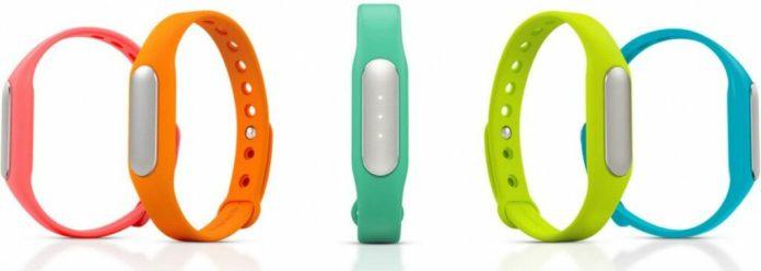 Outre la couleur noir du bracelet qui est livré avec le Xiaomi Mi Band, il est possible de trouver sur le marché d'autres couleurs pour personnaliser votre bracelet connecté