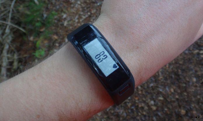 Bracelet connecté vivosmart HR cardio au poignet