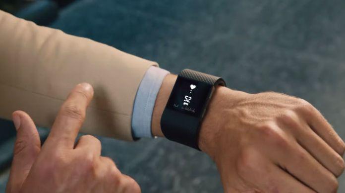 smartwatch-fitbit-surge-gestion sportive