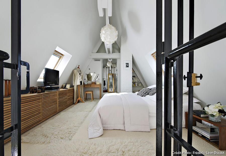 Un loft sous les toits de Paris dans lancien htel particulier de Josphine Baker