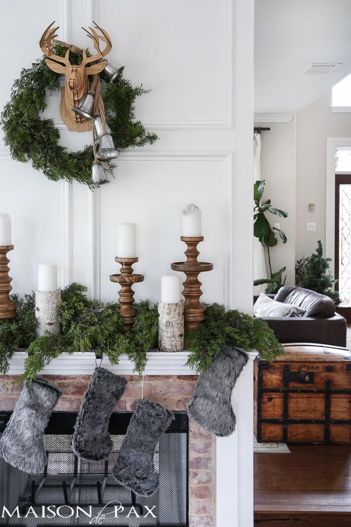 Simple Christmas Mantel Decorations