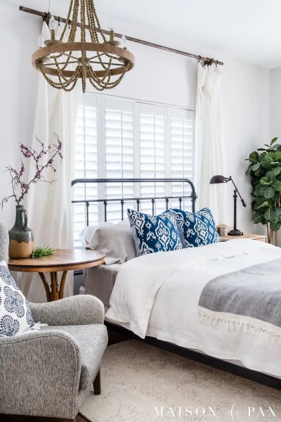 easy bedroom makeover ideas Simple Master Bedroom Decorating Ideas for Spring - Maison