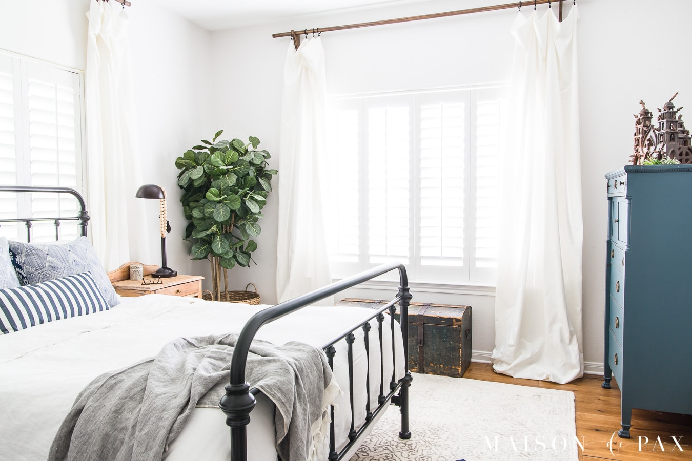 Blue And White Bedroom Ideas For Summer