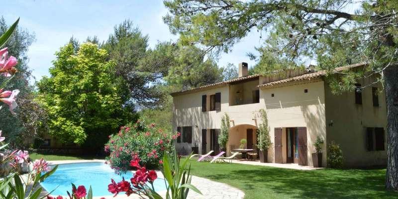 A vendre Bastide avec chambres et table d'hôtes dans Luberon (Vaucluse)