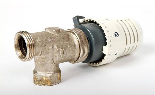 un robinet thermostatique pour radiateur