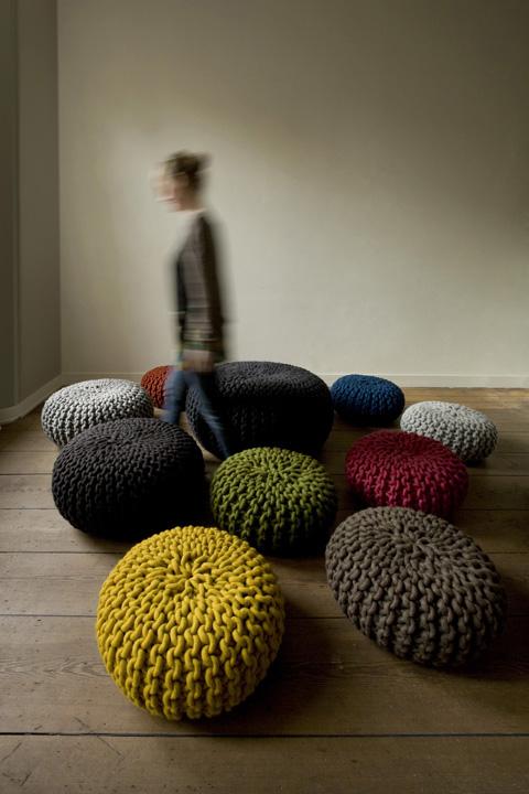 urchin-pouf-flocks