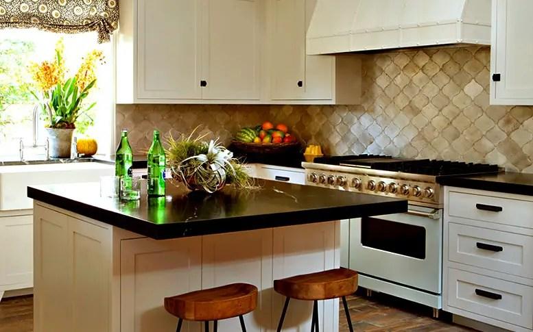 Kitchen Backsplash; arabesque