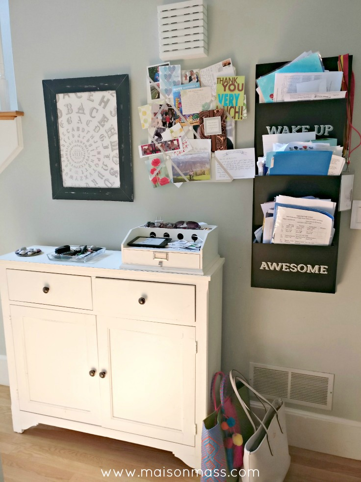 Diy ikea mudroom hack maison mass for Ikea mudroom ideas pictures