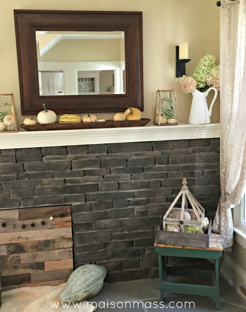dress up a a firebox eyesore with these farmhouse fireplace decor
