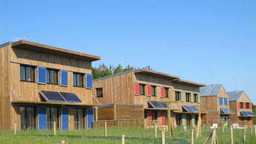 Langouët maison en bois, Vlle en transition écologique
