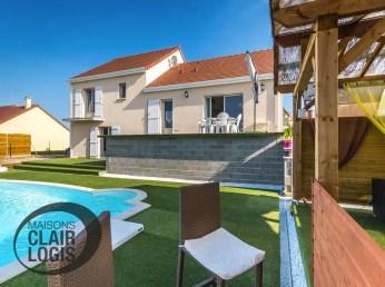 Maison individuelle à étage, avec piscine