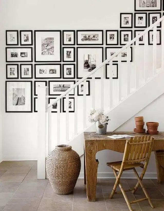 Mur de cadres pour un escalier déco