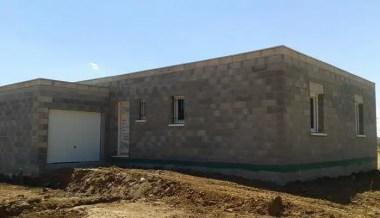 Maison à toit plat - étape hors d'air